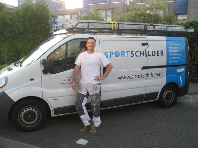 Over schilder timmerbedrijf sportschilder for Schilder inhuren per uur